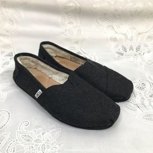 TOMS Black Woolen Lined Classic Slip On 8.5